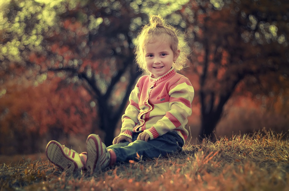 Könnyed viselet a világító talpú gyerek cipő